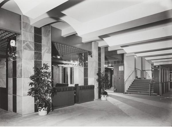Rajmund Müller – Divadlo Nová scéna v Bratislave. Foyer v suteréne.