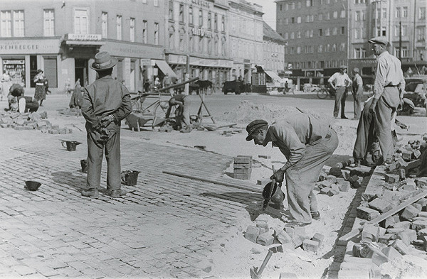 Viliam Malík – Asfaltéri na Kamennom námestí
