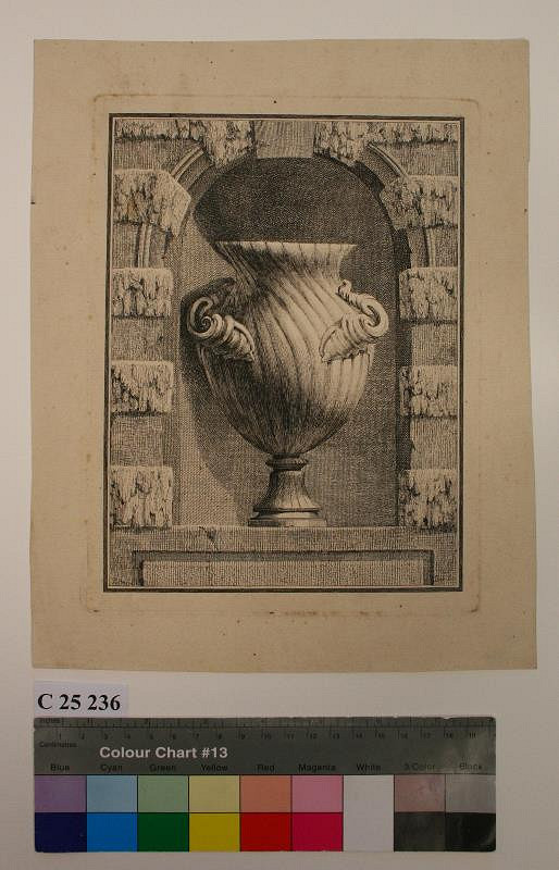 Benigno Bossi – Váza  s  lasturami