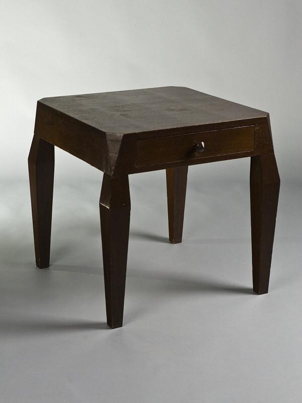Josef Gočár – stolek kubistický