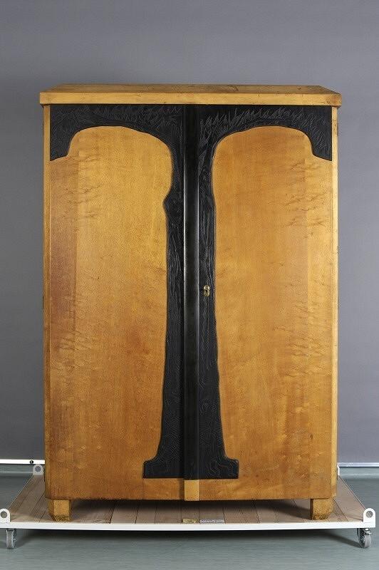 František/1872 Bílek – skříň - ložnice pro dceru