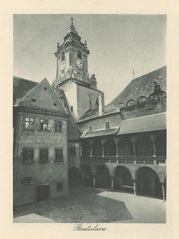 Neznámy autor – Nádvorie starej radnice