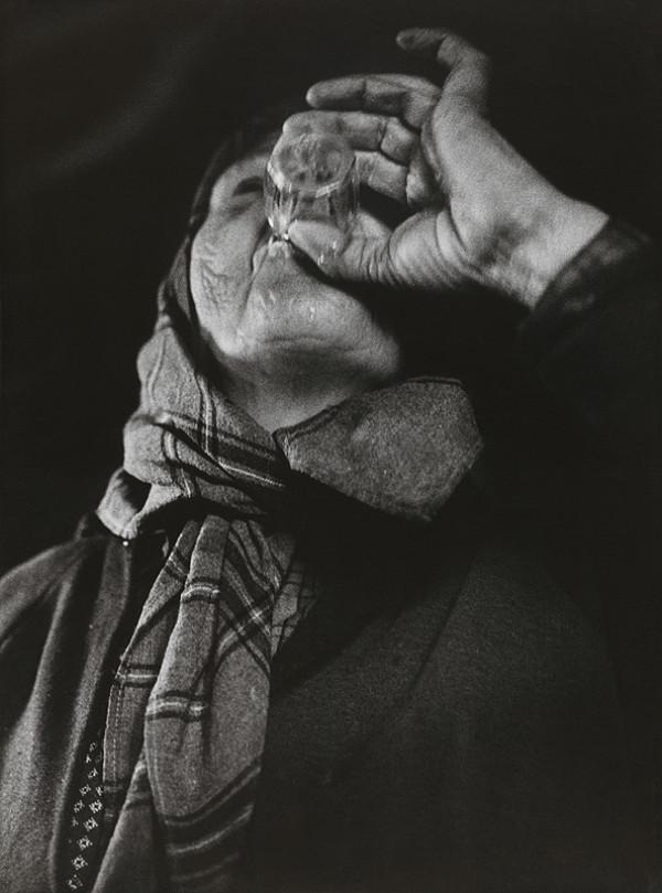 Martin Martinček – Pomáhaj ďalej žiť (vypila pohár vína, ktoré priniesla)