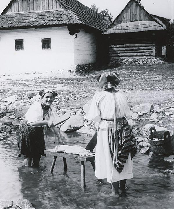 Pavol Socháň – Ženy pri praní prádla- Polomka