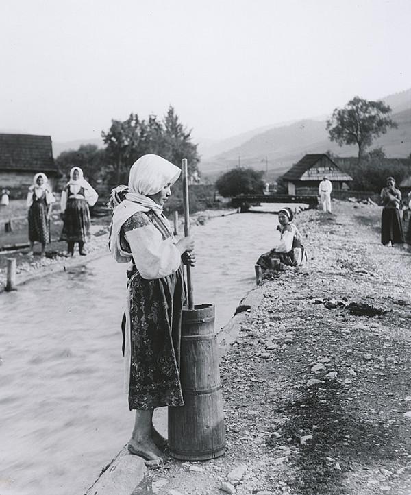 Pavol Socháň – Ženy pri potoku- Liptovská Osada
