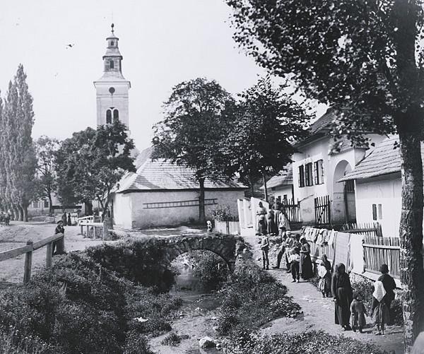 Pavol Socháň – Mošovce- stred obce