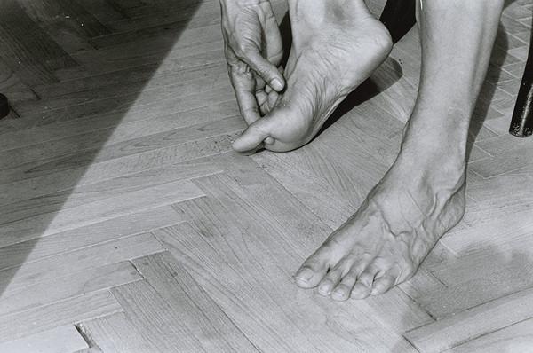 Anna Daučíková – Bez názvu (My Feet I, 2)