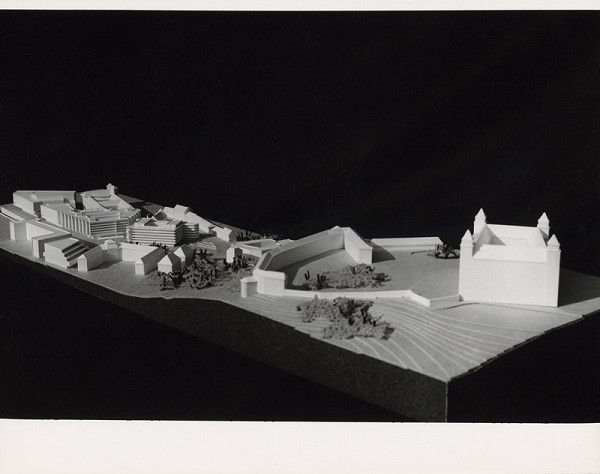 Vladimír Dedeček, Neznámy autor – Budova Najvyššieho súdu v Bratislave. Model objektu a širšieho okolia s hradom. Pohľad z vtáčej perspektívy.