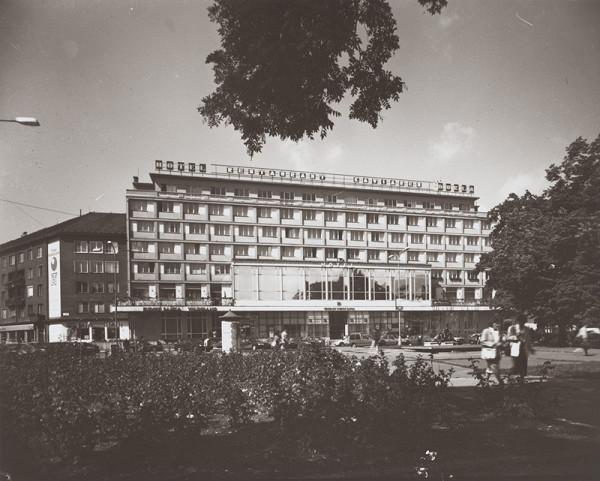 Rajmund Müller – Hotel Dukla v Bratislave. Diaľkový pohĽad.