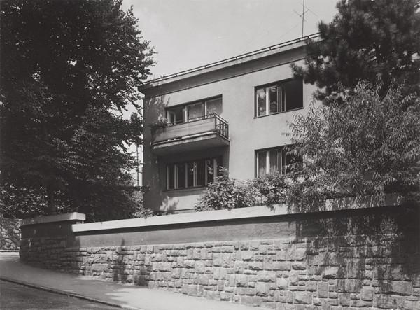 Rajmund Müller – Rodinný dom Emila Belluša. Celkový pohľad.