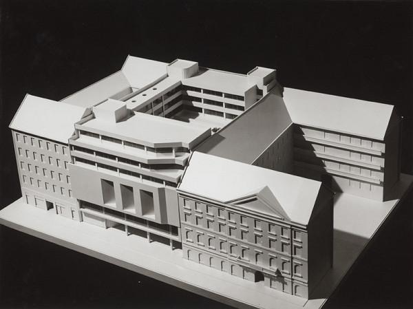 Rajmund Müller – Prevádzková budova a riaditeľstvo SND v Bratislave. Model.