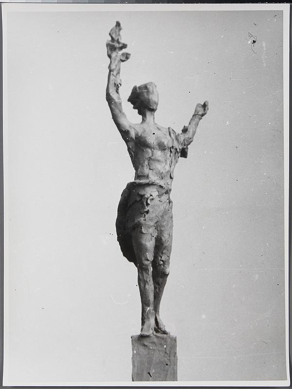 Ladislav Beisetzer, Ladislav Snopek, Neznámy autor - Súťaž na pomník na pamäť obetí v Auschwitz-Birkenau. Model figurálnej časti pomníka.