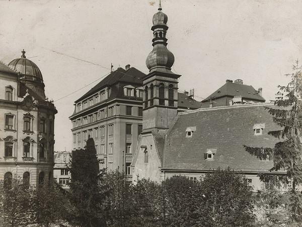 Milan Michal Harminc - Tatra banka v Bratislave. Bočný pohľad.  b3ae155d26c