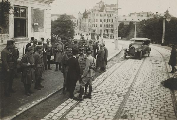 Milan Michal Harminc - Dobové fotografie Bratislavy z prvej polovice 20. storočia. Most československej armády.