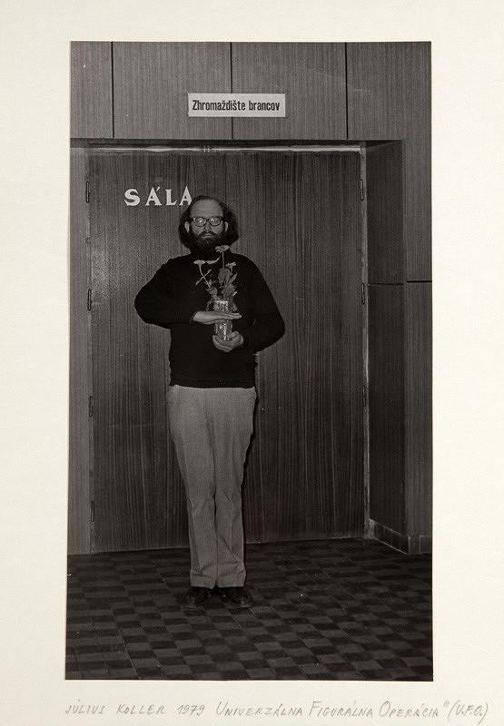 Július Koller – Univerzálna figurálna operácia (U.F.O.)