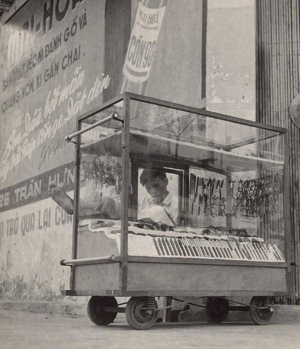 Ján Cifra – Vietnam. Pouličný obchodník