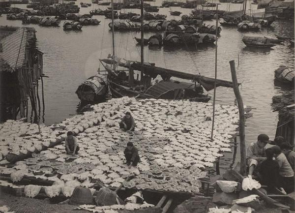 Ján Cifra – Vietnam. Sušenie rýb