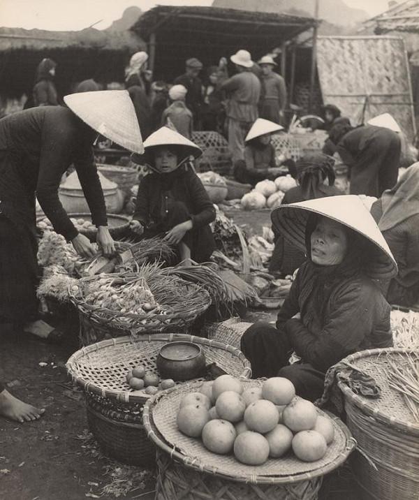 Ján Cifra - Vietnam. Zeleninový trh