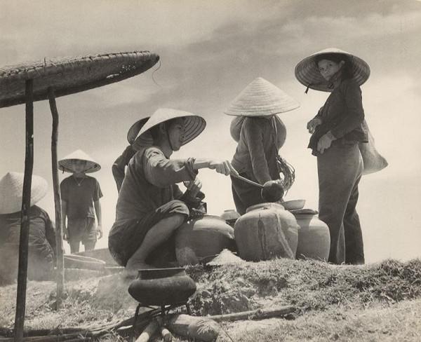 Ján Cifra – Vietnam. Poludňajšia prestávka. Dve sestry