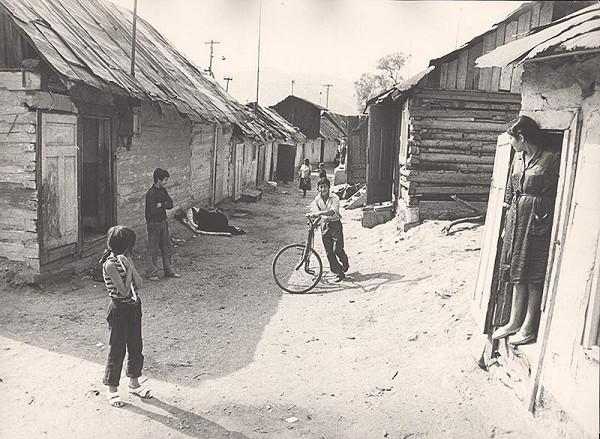 Pavol Breier - Rómska osada v Bardejove I.