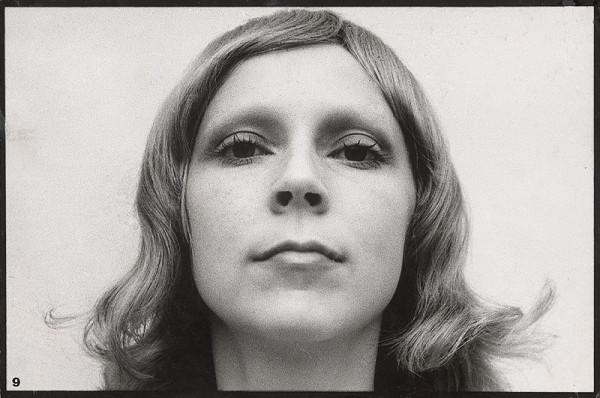 Milota Havránková - Autoportrét