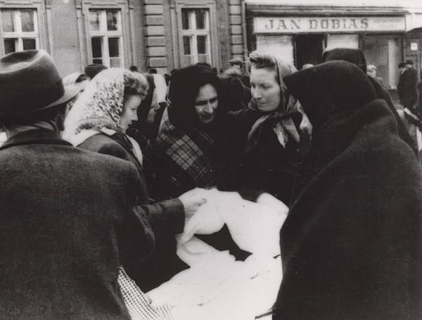 Irena Blühová – Na trhu 3.
