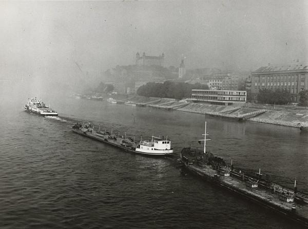 Pavol Poljak – Lode na Dunaji