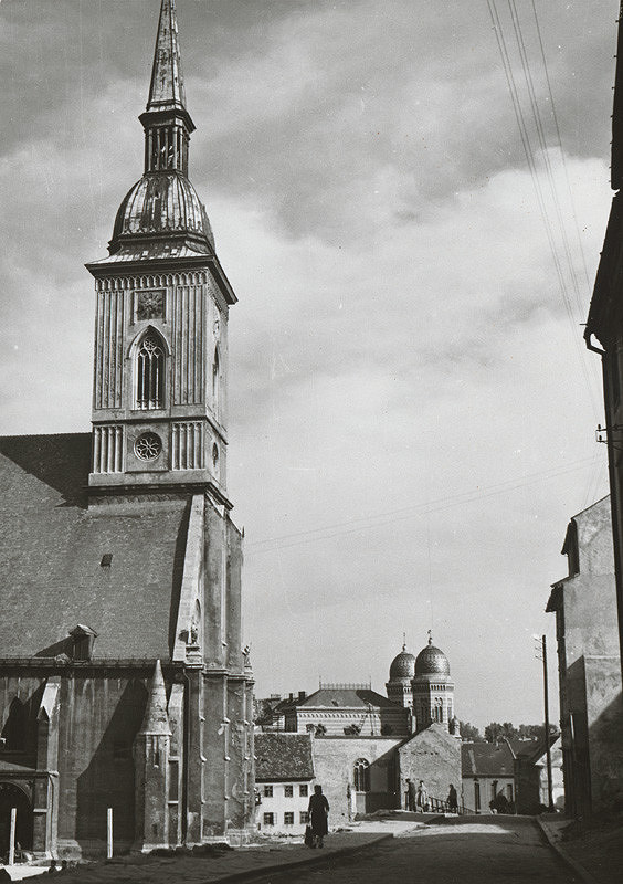 Pavol Poljak - Bratislava. Dóm sv. Martina a synagóga
