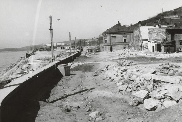 Pavol Poljak - Bratislava. Stavba Slovanskej cesty I.