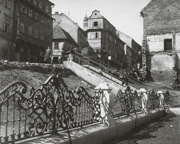 Pavol Poljak – Bratislava. Zábradlie pri Dóme sv. Martina