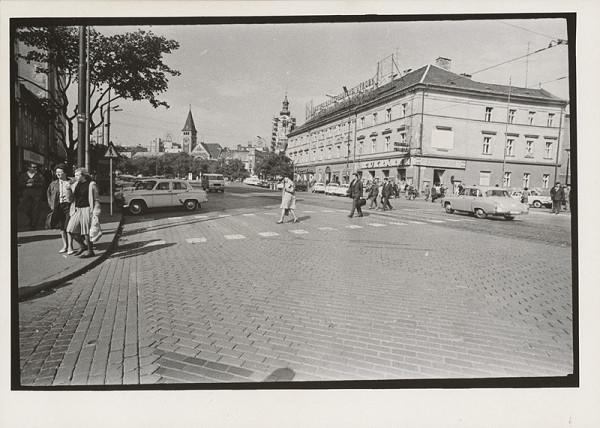 Pavol Poljak – Bratislava. Námestie SNP
