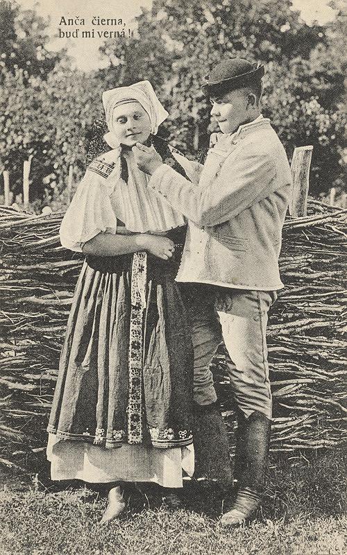Pavol Socháň – Kroje z Bošáce. Anča čierna, buď mi verná !