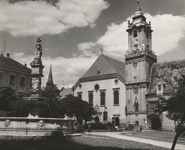 Pavol Poljak – Socha a veža (Hlavné námestie v Bratislave)
