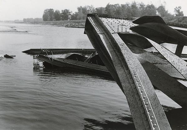 Viliam Malík – Starý most vBratislave po demolácii