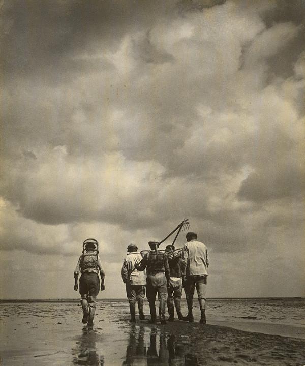 François Kollar – Robotníci pri odchode do práce na more