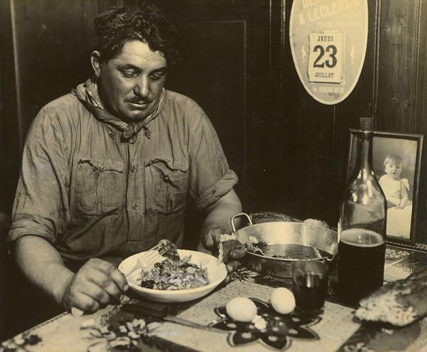 François Kollar – Lodník na Seine pri obede