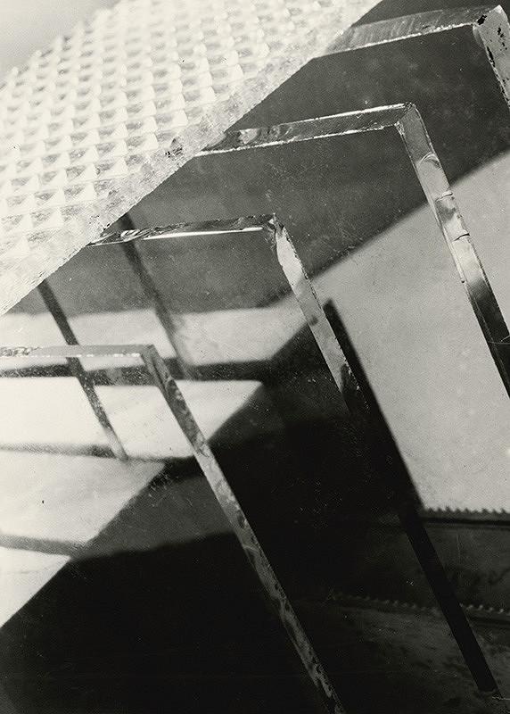 Miloš Dohnány - Kompozícia so sklenenými tabuľami