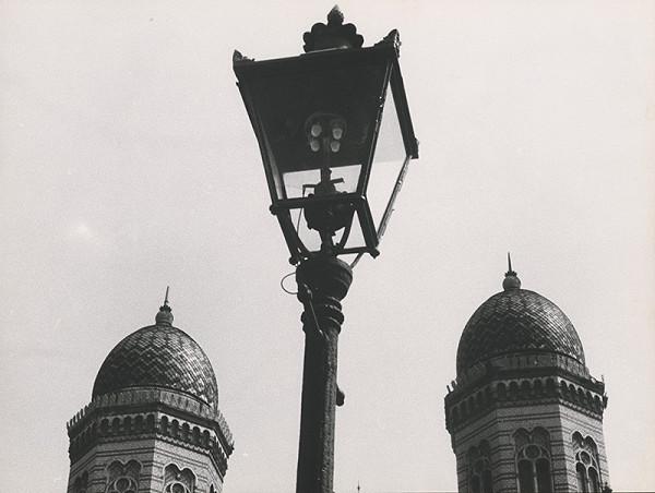Pavol Breier st. – Bez názvu. (Bratislava. Veže synagógy)