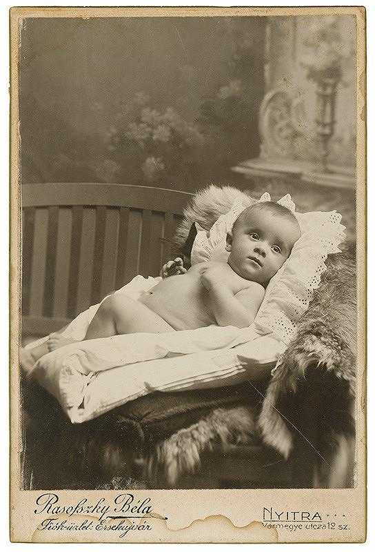 Béla Rasofszky – Portrét dieťaťa v perinke