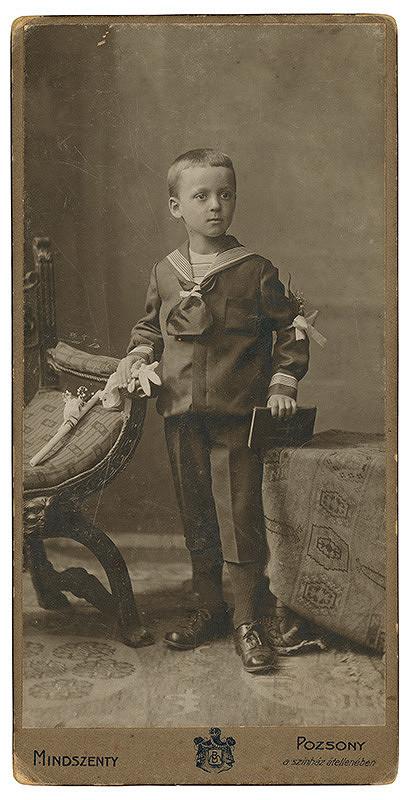 Béla Mindszenty – Portrét chlapca pri svätom prijímaní