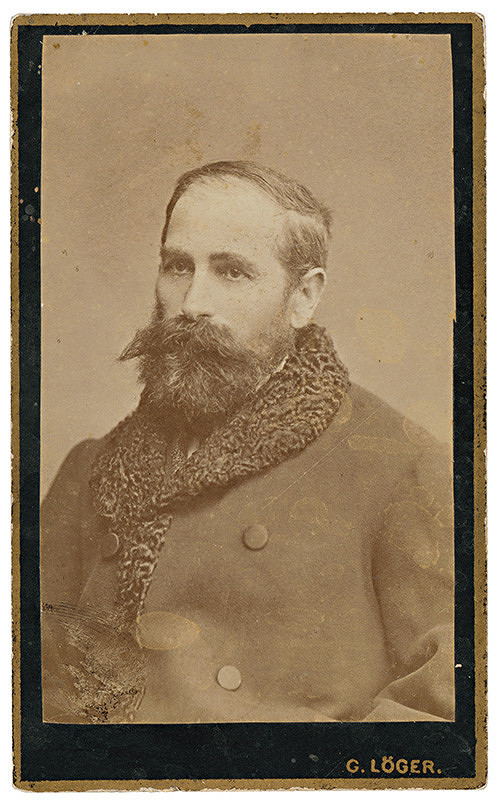 Gusztáv Löger – Portrét muža v hrubom kabáte