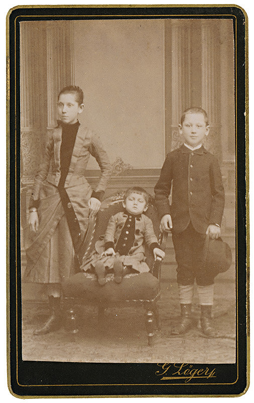 Gusztáv Löger - Skupinový portrét detí