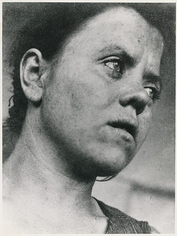 Irena Blühová – Upratovačka na Bauhause