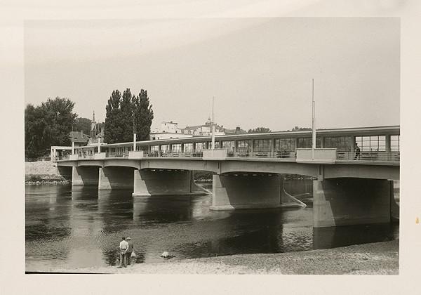 Ateliér Bruner - Dvořák - Kolonádový most v Piešťanoch