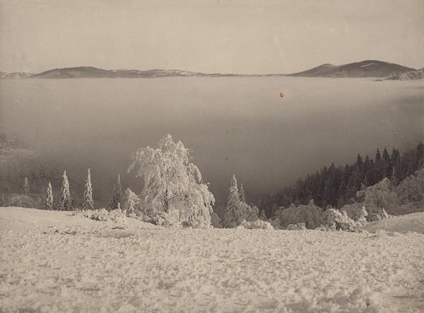 Irena Blühová – Jarné hmly na Malej Fatre