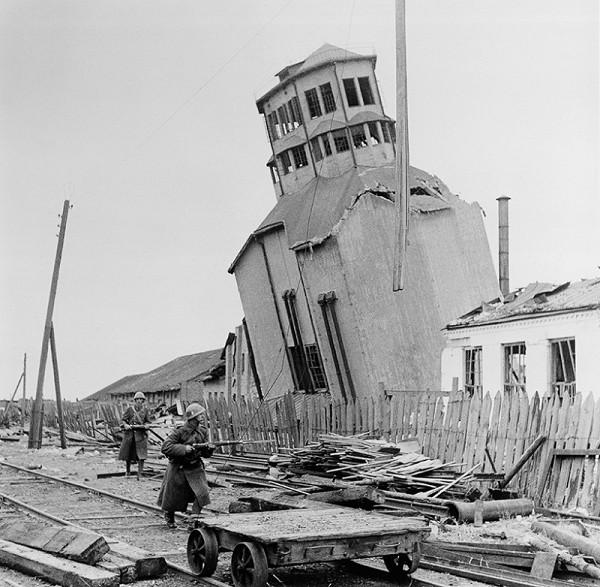 Jozef Cincík – Z vojny v ZSSR - Naklonený betónový mlyn v meste Pologi