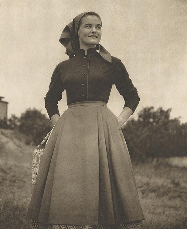 Otakar Rybák – Odev pre roľnícku ženu, textilná tvorba, Bratislava