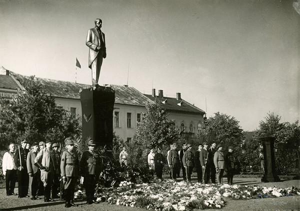 Neznámy autor - Pohrebný sprievod T.G.Masaryka