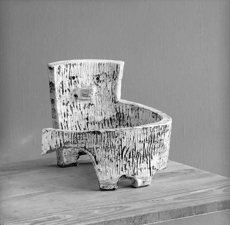 Julie Horová – Pes, okolo 1960, Slovenské múzeum dizajnu, fotografia: Tibor Honty