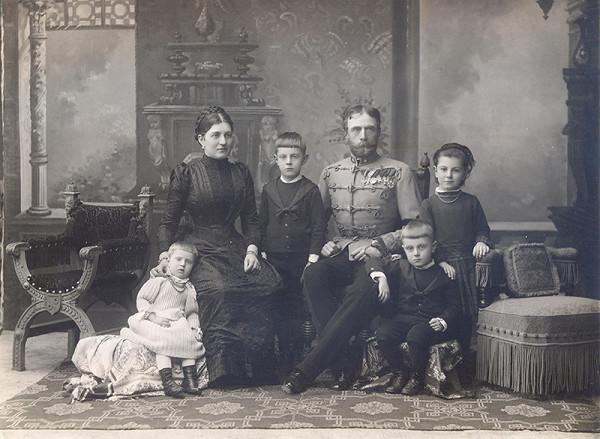Neznámy autor – Portrét neznámej rodiny